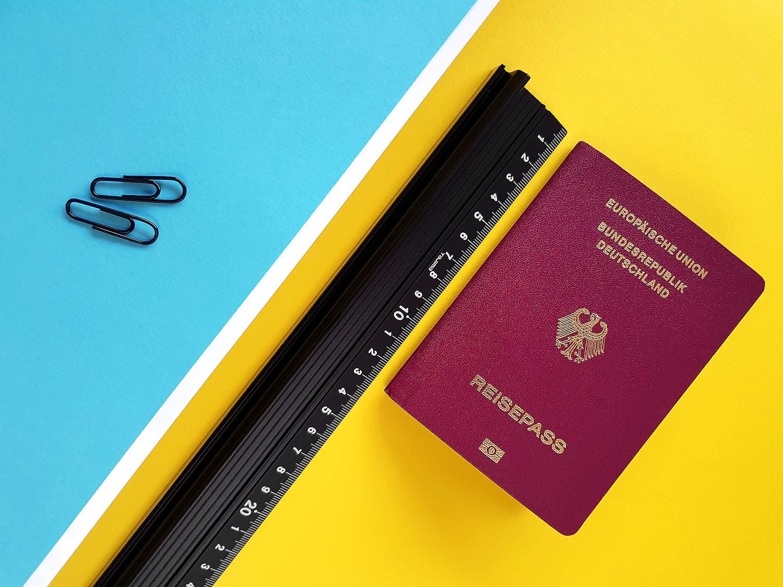 Reisepass Größe mit Lineal